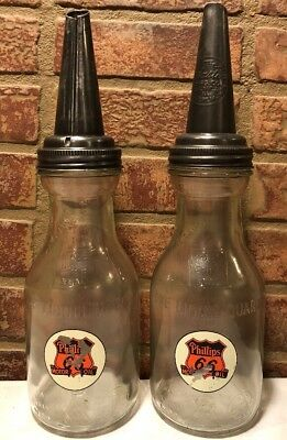 Lot Of Two Vintage 1 Quart Glass Oil Bottles With Spouts / Service Station