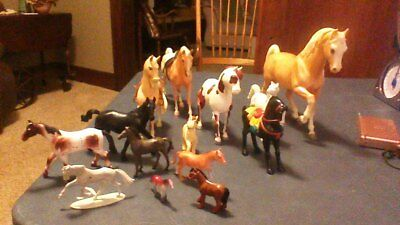 Horse And Colts - Lot Of 14 Horses