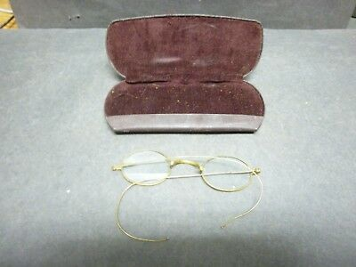 Pair of Antique Eye Glasses, Wire Brass Frame, Nice Case.