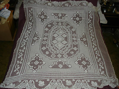 #405 Beautiful Vintage Handmade Filet Coverlet  185cm/150cm(73''/59'')