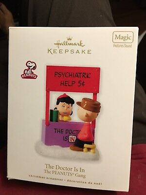 2010 PEANUTS Hallmark Keepsake Ornament THE DOCTOR IS IN-Features Sound