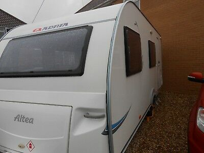 Adria Altea 542 dt caravan 6 berth triple bunks
