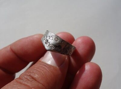 Ancient bronze-silvered late Roman to Medieval Archers' ring,carved with circle
