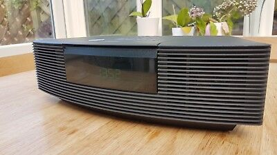 Bose Wave Radio With CD function in fully working and very good condition Black