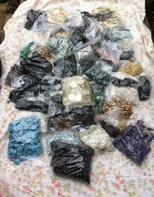 Huge Joblot Of Vintage Buttons Inc. Some Toggles And Buckles 60`s 70`s (B)