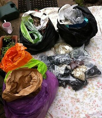 Huge Joblot Of  Unsorted Vintage Buttons Etc 60`s 70`s (C)