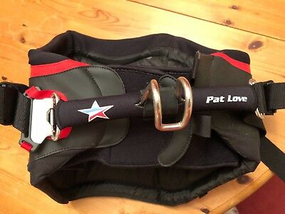 Pat Love windsurfing harness Size Medium - never been used