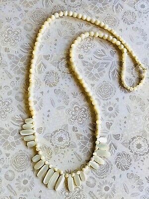 Vintage Mother Of Pearl Art Deco Necklace 32cm Length