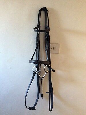 "Black Full Size English Leather Complete Bridle With 5.1/2"" Eggbutt Snaffle Bit."