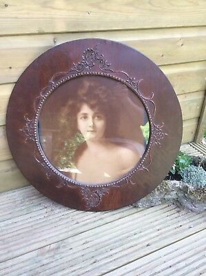 Vintage Photo Picture Frame With Trim Circular