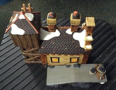 Dept 56 Dickens' Village Series - The Locomotive Shed & Water Tower - NIB