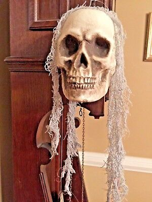 Halloween HANGING SKELETON /SKULL HEAD PROP