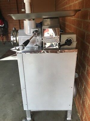 Commercial Meat Mincer - Electric Grinder & Sausage Maker Filler Stainless