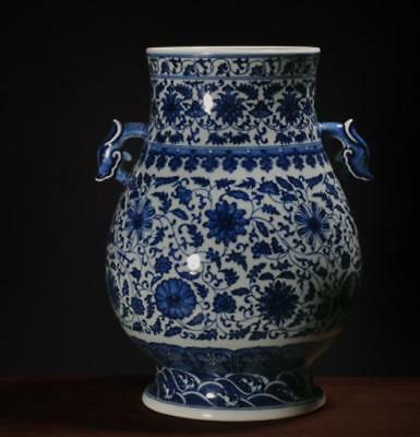 China Porcelain Qing qianlong blue white Hand painting flower double  ear vase