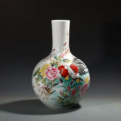 China Porcelain jingdezhen famille rose white Hand painting peony chicken vase