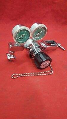 Oxygen Pressure Regulator 8447809 0048 / Yoke Adapter CGA-870