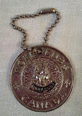 Vintage Boy Scouts of Canada Wolf Cubs Good Deed Coin Keychain 1970's Rare
