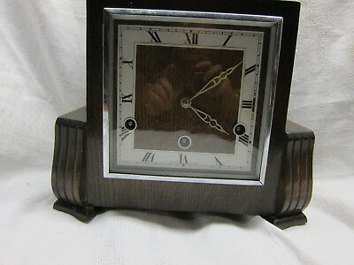 Old Striking . Englisch walnut cased westminster chimes mantel clock ..working