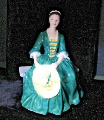 Royal Doulton Lady From Williamsburg Figurine HN2228 Made in England  X5