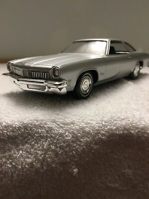 dealer promo model cars 1975 Oldsmobile Cutlass With Box