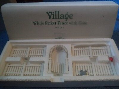 """Dept 56 Heritage Village  """"White Picket Fence with Gate"""" w/ Cardinal & Squirrel"""
