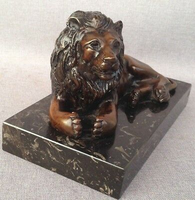 Heavy antique french lion sculpture made of bronze on marble early 1900's