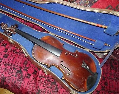 VIOLON ANCIEN avec 2 archets    OLD VIOLIN WITH BOWS