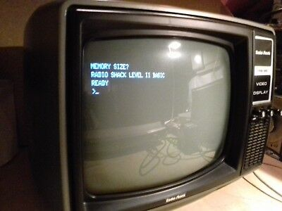 FUNKTIONIERENDER  MONITOR fuer TRS-80 Model 1 Computer RADIO SHACK SEHR RAR