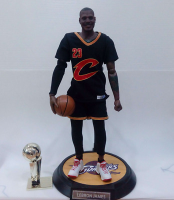 Real Masterpiece NBA Collection - LeBron James Action Figure In Box 1 6  Scale 5a37a73e0