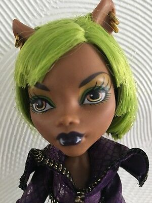 Monster High Clawdeen Wolf Dawn of the Dance T6069
