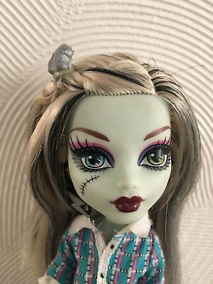 Monster High Frankie Stein School's Out Todschick