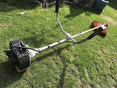 Stihl FS 86 Strimmer With Accessories and 2 Stroke Oil