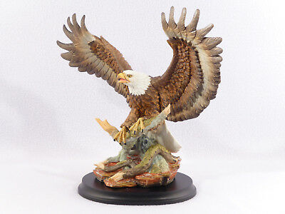 Boehm / Home Interiors Large BALD EAGLE Porcelain Figurine w/ Base