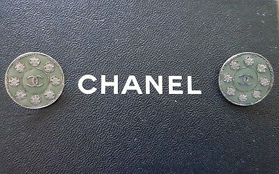 Boutons Chanel