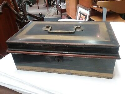 Vintage Metal Cash Tin / Box With 3 Section Removable Inner Tray