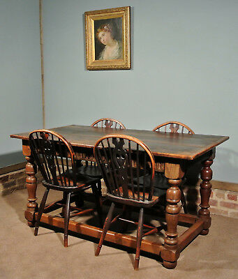 Very Good Early 19th Century Oak Refectory Table - Seating Six