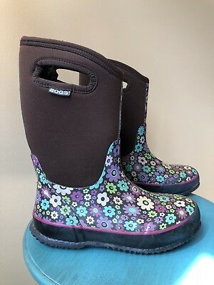 BOGS Classic Handle Boots Brown Daisies Youth Sz 5