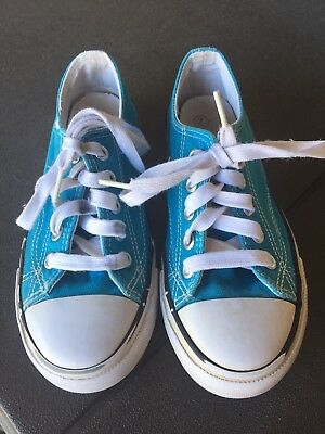 Girls Sneakers Size 2 VGUC