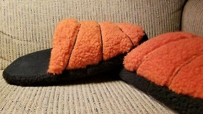 Old Navy Basketball Slippers Size XL (3/4) Teen Boys Girls