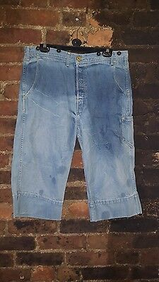 Mens Very Rare Levi This is a pair of Levi Red Jeans Label W36 L18 Denim Shorts