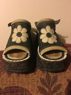 Vintage Huge Swear Platforms Black And Cream Flowers Size 40