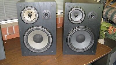 Pair (2) Vintage Yamaha NS-A635A monitor bookshelf 3 way speakers
