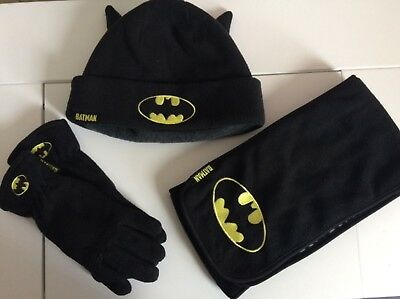 M&S batman hat scarf and gloves set 6-10years
