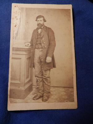 Civil War Soldier Cdv Union Long Coat Full Body Identified Photog Wisc Vanderbie