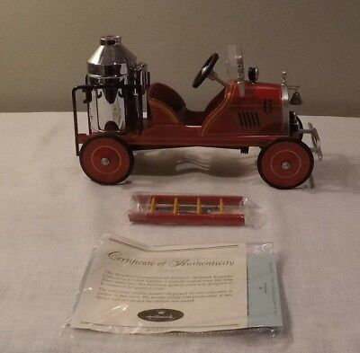 Hallmark Kiddie Car Classics 1924 Toledo Fire Engine #6 Fire Brigade QHG9053 MIB