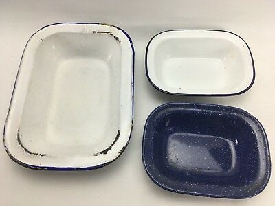 Vintage Set of 3 Enamel Pie Tins Shabby Kitchen Decor Assorted Size Blue White