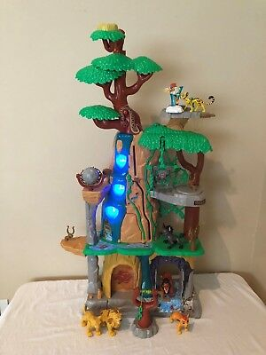 Disney Lion Guard Training Lair Playset Lights Sound Figures Catapult Boulder