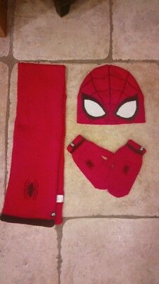 boys spiderman scarf, mittens and hat set age 3-6years