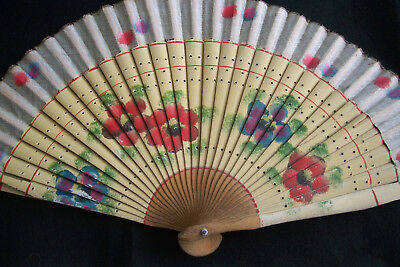 VINTAGE HAND PAINTED GAUZE BAMBOO LADIES FLORAL HAND FAN, Early 1900s Antique