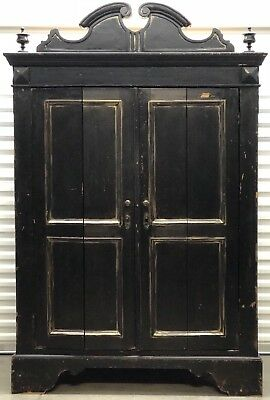 Antique American Pinewood Grand 2 Door Wardrobe Armoire Late 19th Cent.(1880-95)